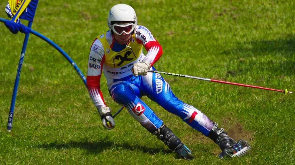 Sci d'erba. La pista cambia con il nuovo sport