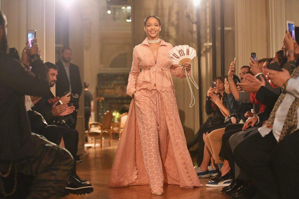 Indossato dalle star: Rihanna versione Maria Antonietta