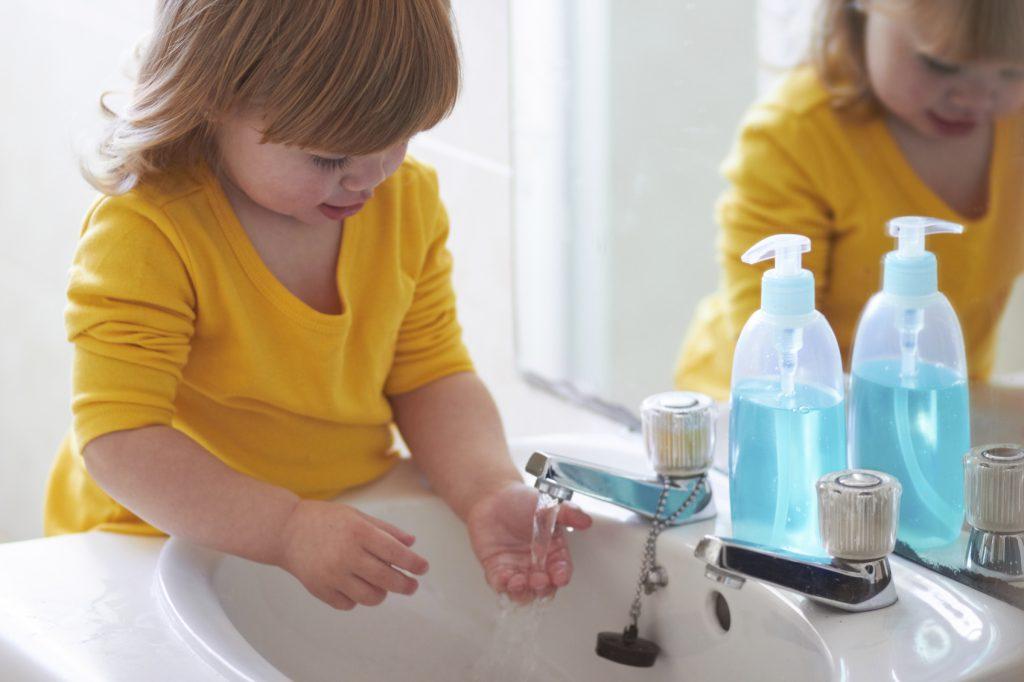 Lavarsi le mani. Senza sapone e con sostanze naturali