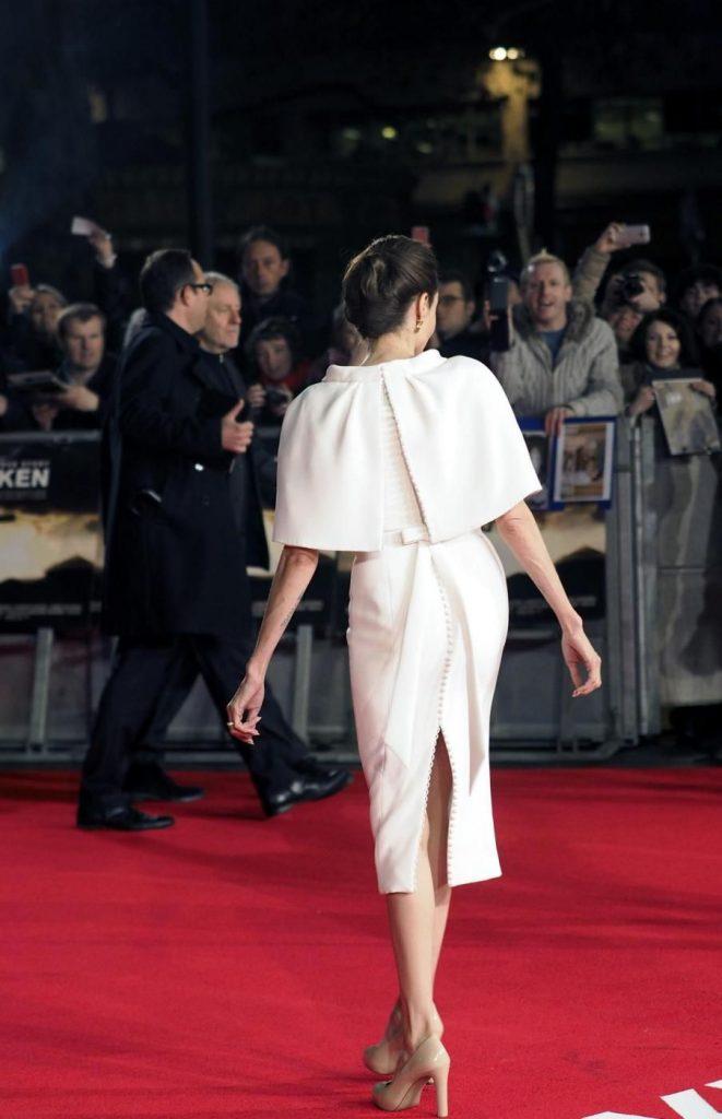 A triangolo rovesciato - Angelina Jolie