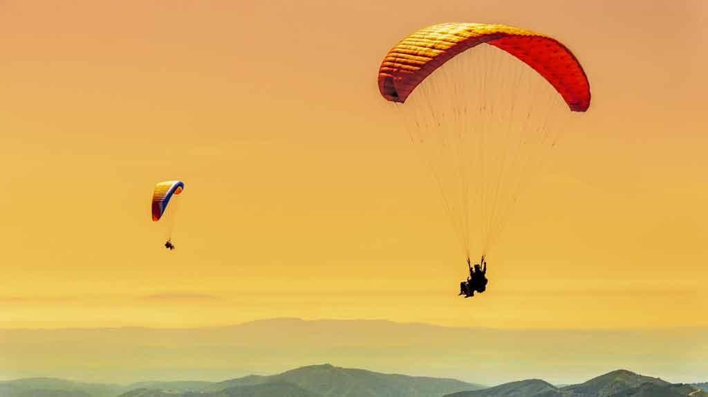 Parapendio, provare a volare come Icaro