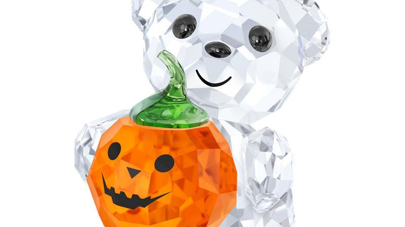 Orsetto Kris in cristallo by Swarovski in versione Halloween con zucca arancio