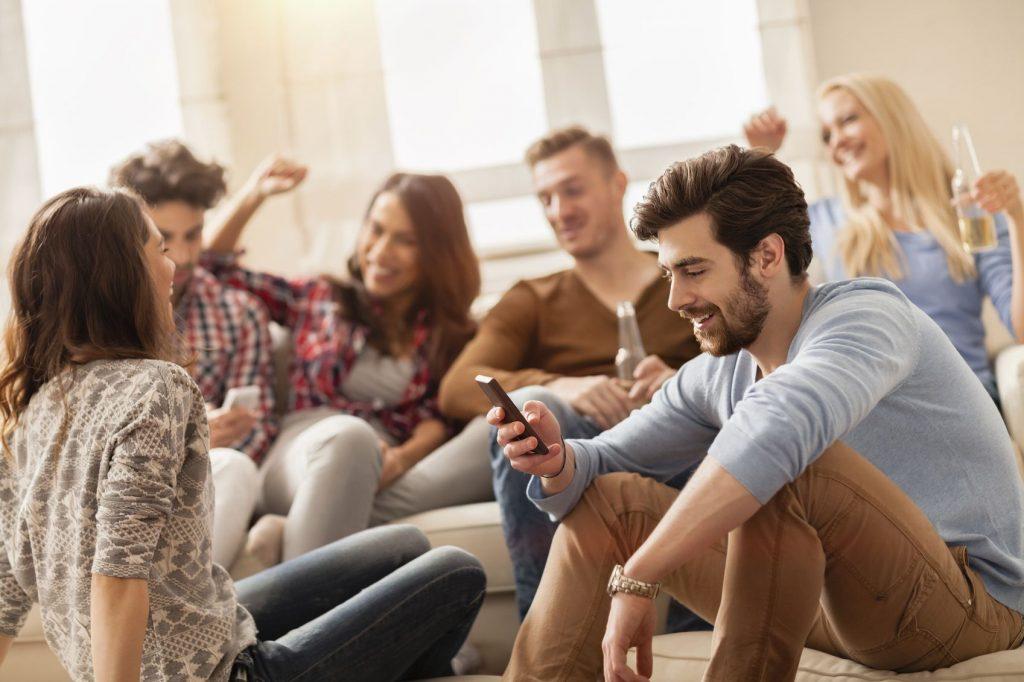 Dieci regole da rispettare quando si è ospiti da amici