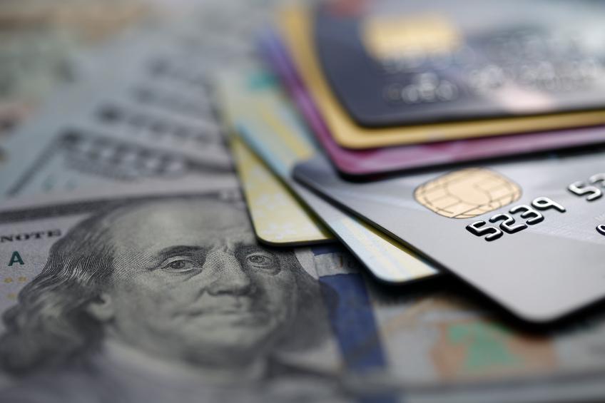 Viaggiare con denaro: carte di credito e dollari