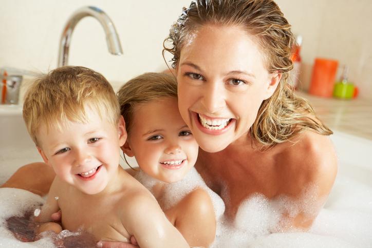 Shampoo per i bebé: mai sui propri capelli