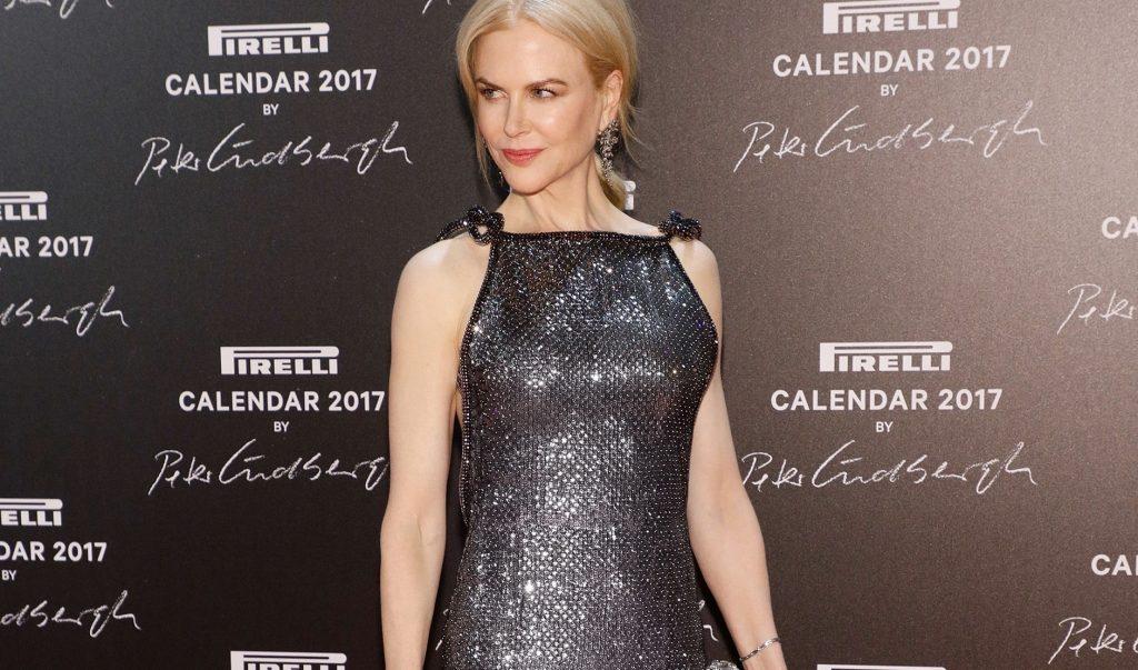 Splendida Nicole Kidman: incanta al gala parigino