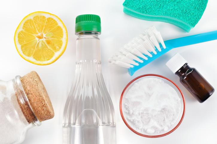Detergenti naturali: aceto, limone, bicarbonato