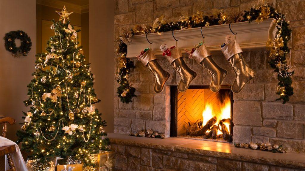 Alberi Di Natale Eleganti Immagini.Albero Di Natale Come Decorarlo Tutti I Consigli Www Stile It