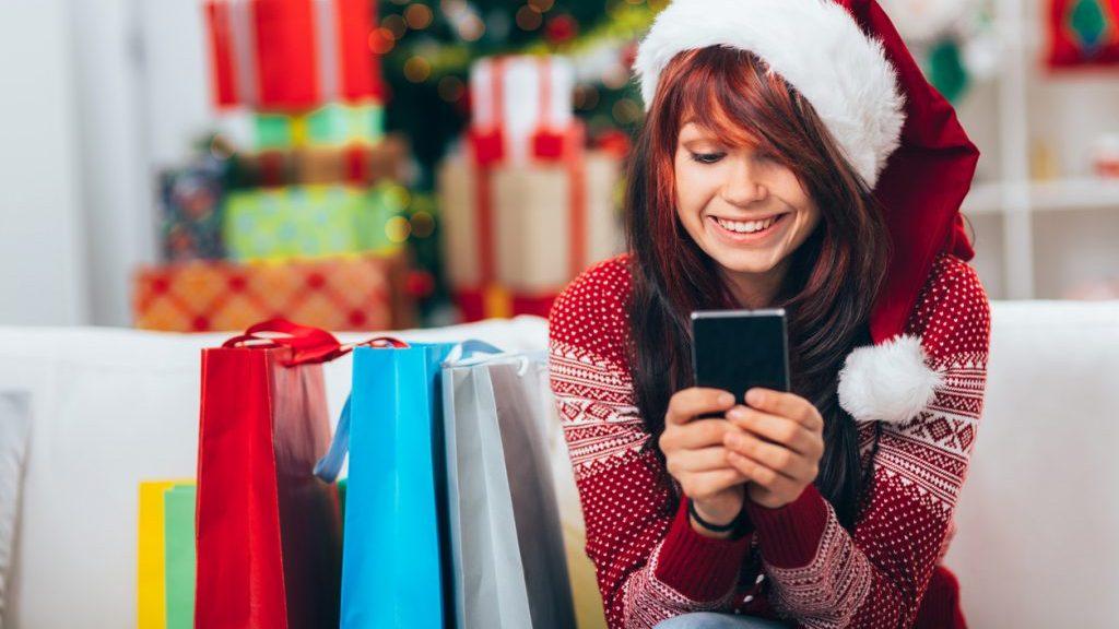 Shopping natalizio con lo smartphone