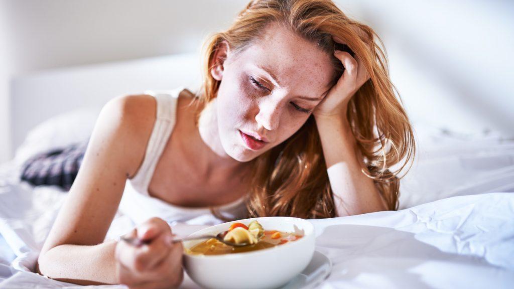 Raffreddore: come curarne i sintomi con il cibo