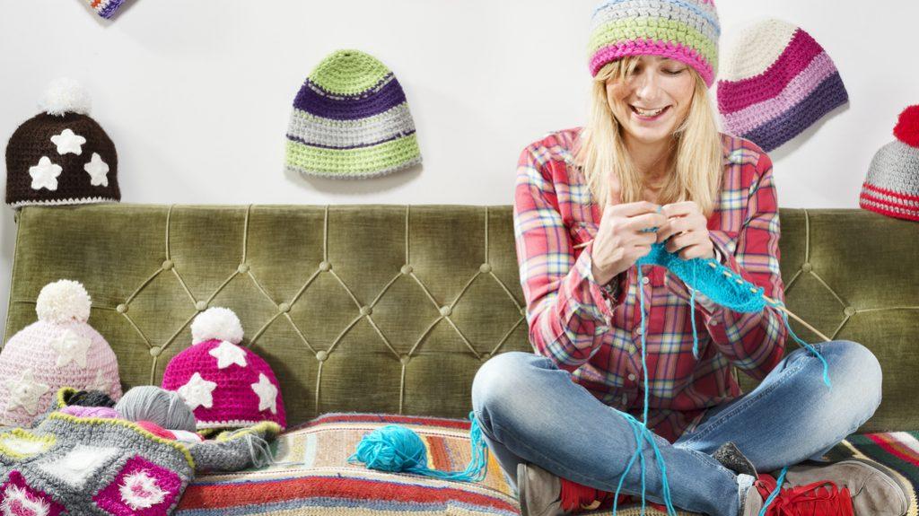 Lavorare a maglia: trend e cura anti stress