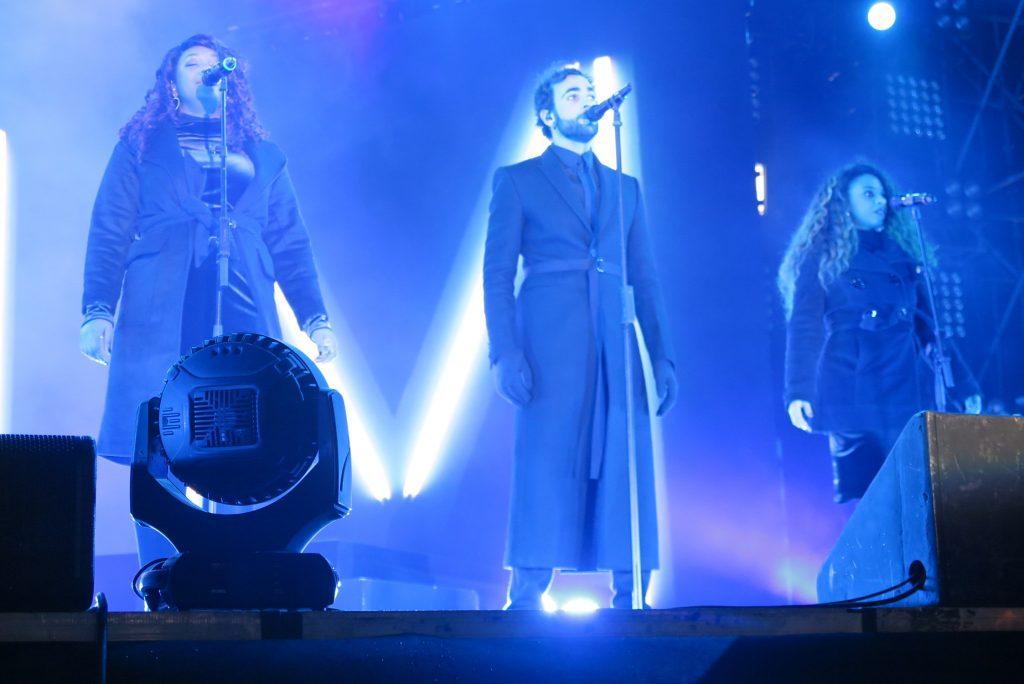 Marco Mengoni in lungo al concerto di fine anno