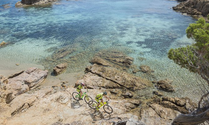 La Sardegna dei cicloamatori con l'Accademia della Bici