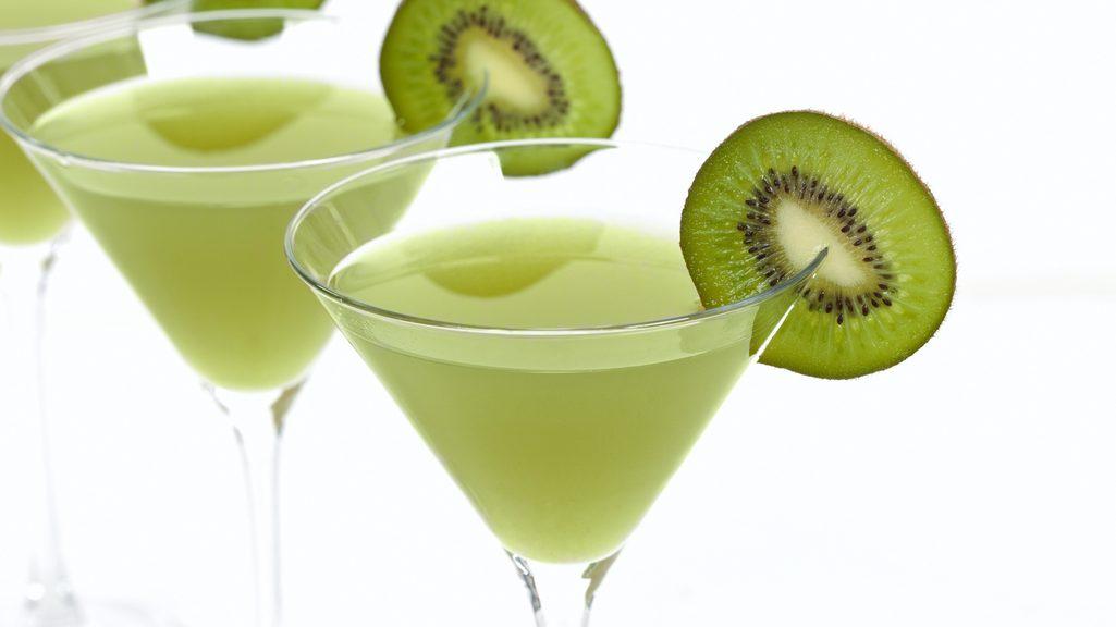 Kiwi cocktail il frutto invernale chiama lo champagne for Cocktail kiwi