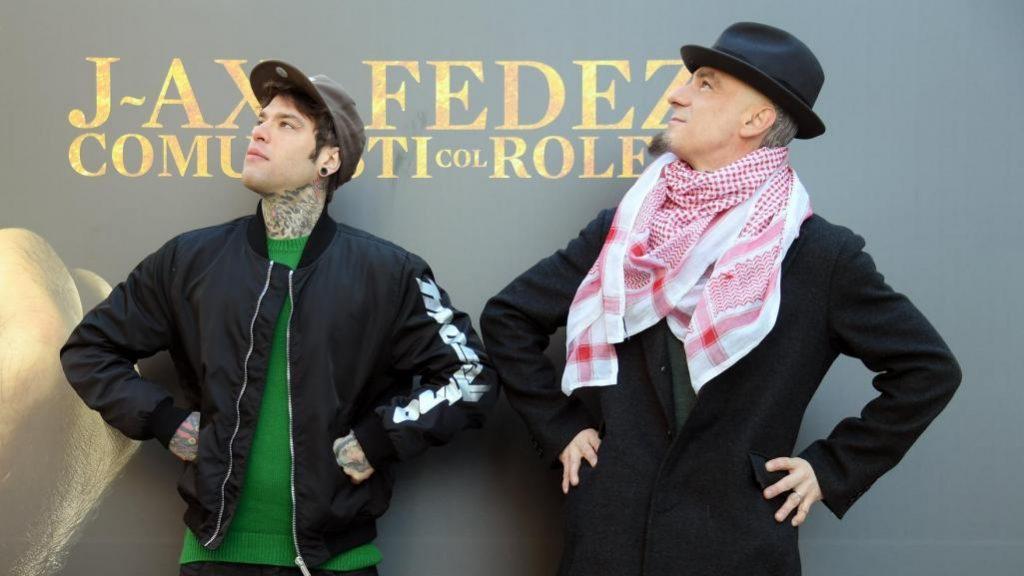 J-Ax e Fedez comunisti col Rolex insieme alla Amoroso