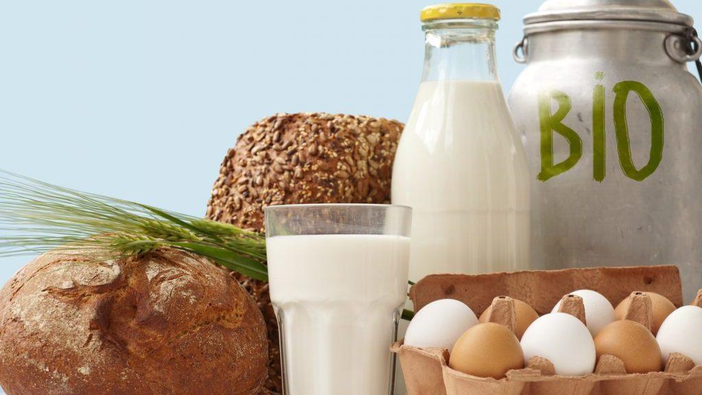 Latte biologico: davvero si conserva più a lungo?