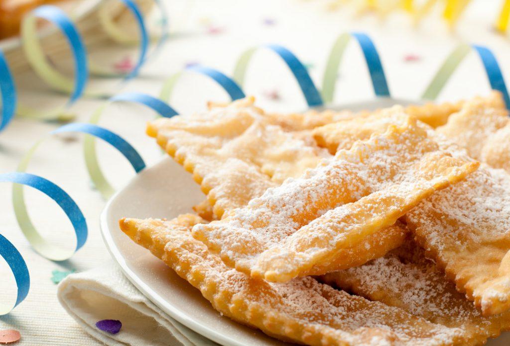 Chiacchiere vegan al forno: la ricetta della sfoglia dolce