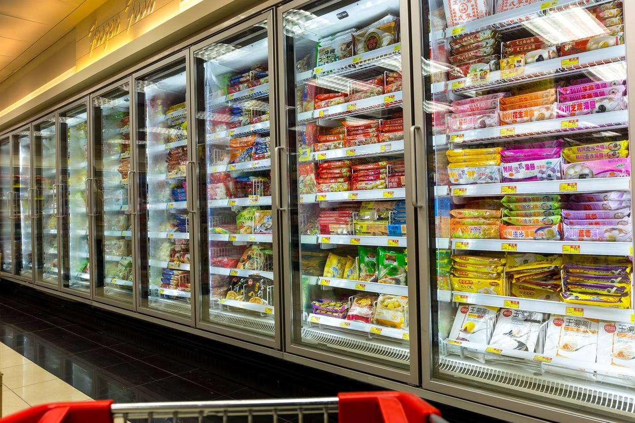 Assortimento di prodotti in un supermercato