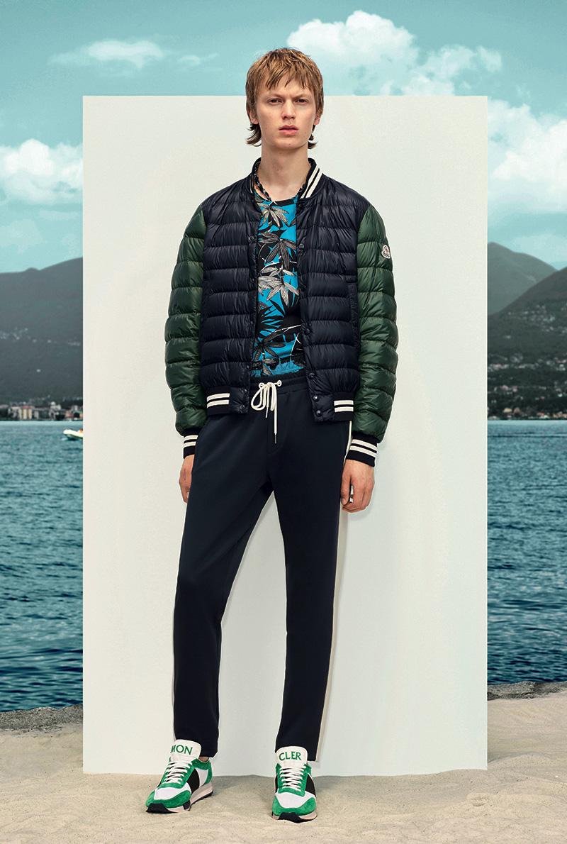Bomber Moncler in nylon legere blu e verde collezione Primavera/Estate 2017