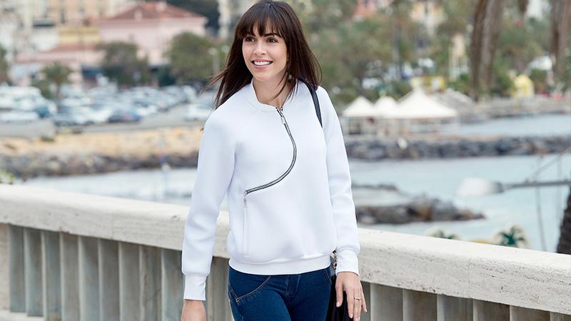 Rocío Muñoz Morales mood athleisure a Sanremo
