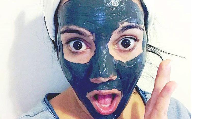Cura del viso, maschera magnetica