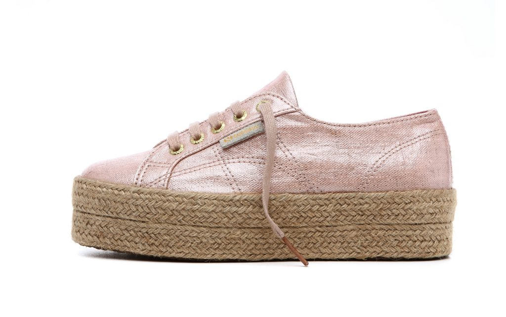nuovi stili goditi la spedizione in omaggio dopo Quando le sneaker classiche si rinnovano - www.stile.it