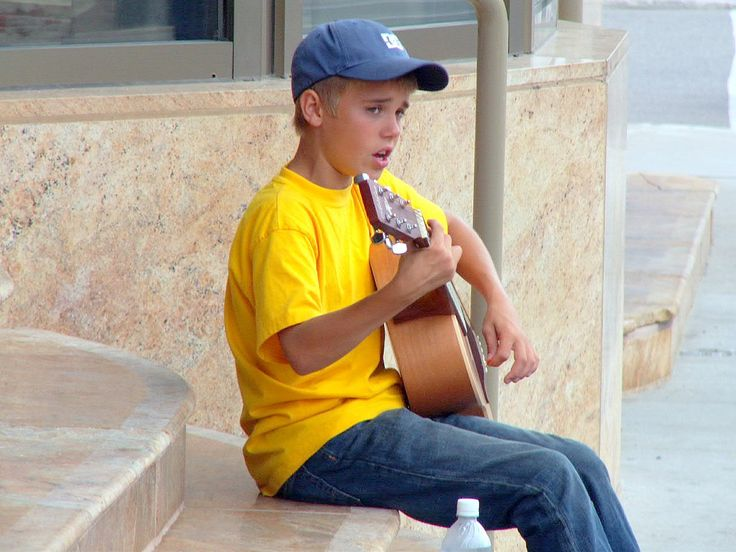Popstar agli esordi, da Justin Bieber a Lady Gaga