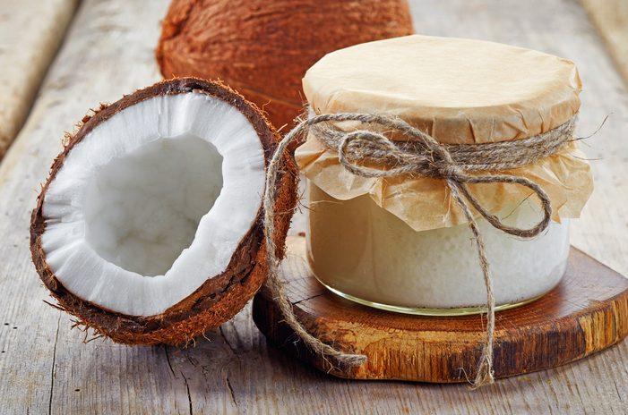 L'olio di cocco in cinque utilizzi poco noti