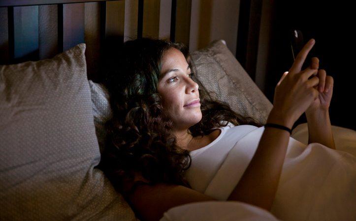 Porno su mobile: lo scelgono soprattutto le donne