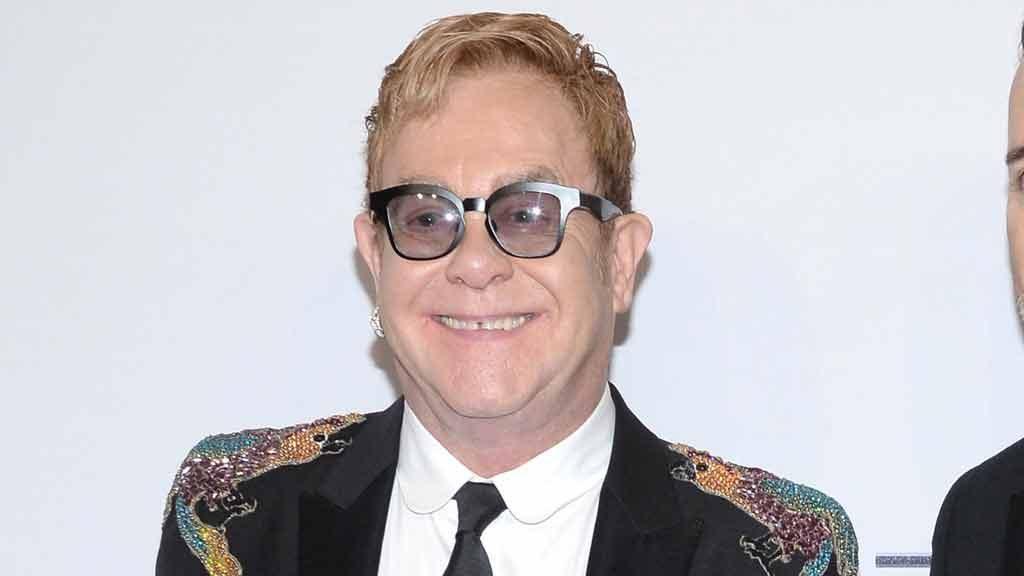 Elton John compie 70