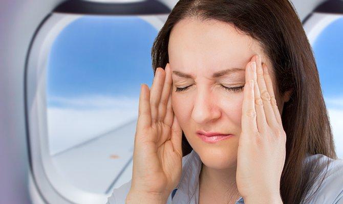 Mal d'aria in aereo e paura di volare: ecco i rimedi