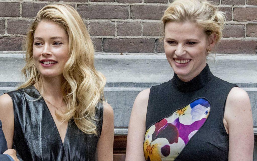Doutzen Kroes e Lara Stone alla presentazione della copertina di Vogue Olanda