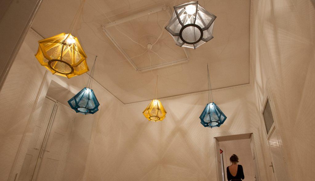 Luce e design, uno sposalizio che va di moda