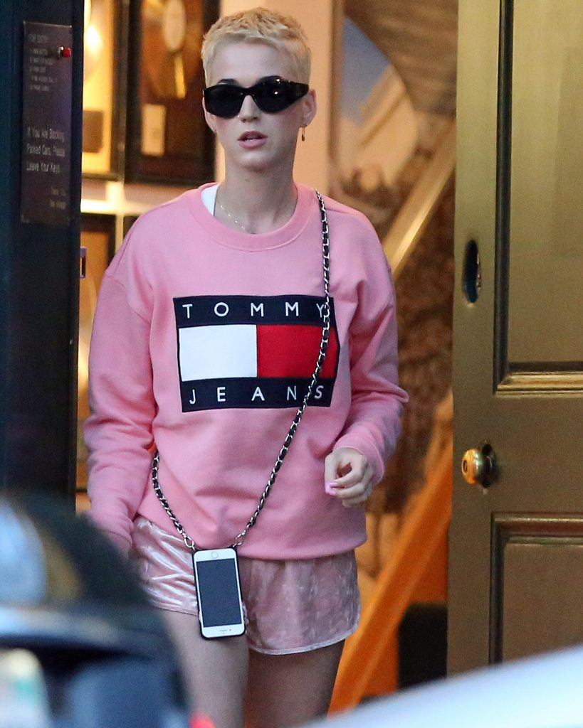 , Santa Monica, CA - 4/13/2017 - Katy Perry Sports Pixie Platinum Hair Leaving a Studio. She holds a manila envelope that reads Top Secret KP4. -PICTURED: Katy Perry -PHOTO by: INSTARimages.com -Instar_Katy_perry_Pixie_Hair_0730667884 Editorial Rights Managed Image - Please contact www.INSTARimages.com for licensing fee and rights: North America Inquiries: email sales@instarimages.com or call 212.414.0207 - UK Inquiries: email ben@instarimages.com or call + 7715 698 715 - Australia Inquiries: email sarah@instarimages.com.au or call +02 9660 0500 – for any other Country, please email sales@instarimages.com. Image or video may not be published in any way that is or might be deemed defamatory, libelous, pornographic, or obscene / Please consult our sales department for any clarification or question you may have - http://www.INSTARimages.com reserves the right to pursue unauthorized users of this image or video. If you are in violation of our intellectual property you may be liable for actual damages, loss of income, and profits you derive from the use of this image or video, and where appropriate, the cost of collection and/or statutory damage.