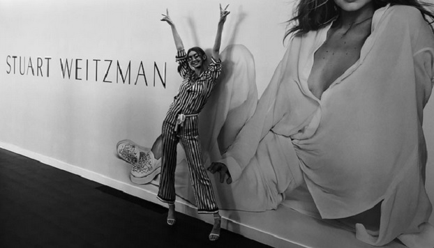 Gigi Hadid in pijama a New York. E tacchi alti