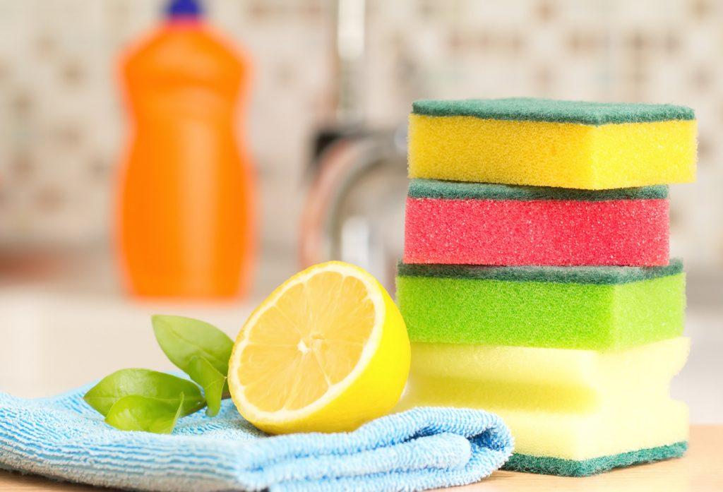 Prodotti naturali per le pulizie di casa green