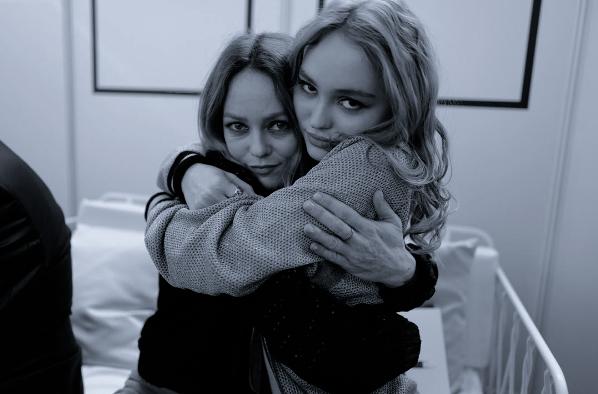 lilyrose_depp e Vanessa Paradis