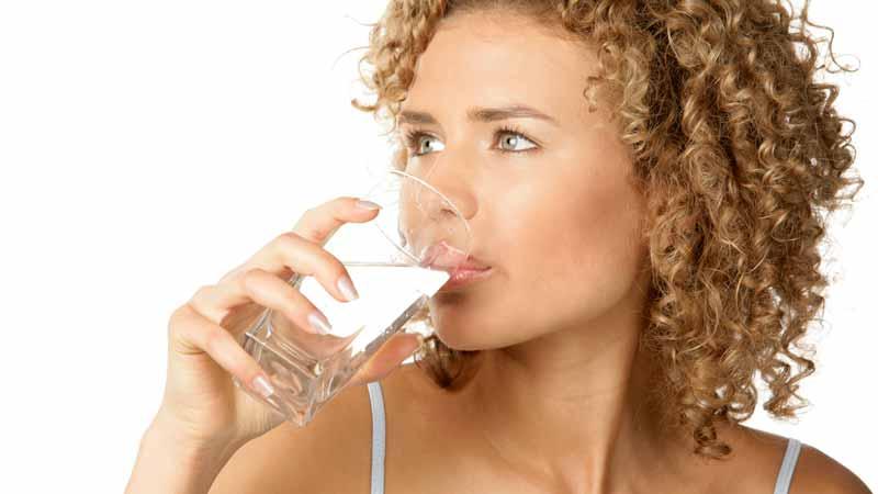 Acqua gassata: le bollicine fanno venire appetito
