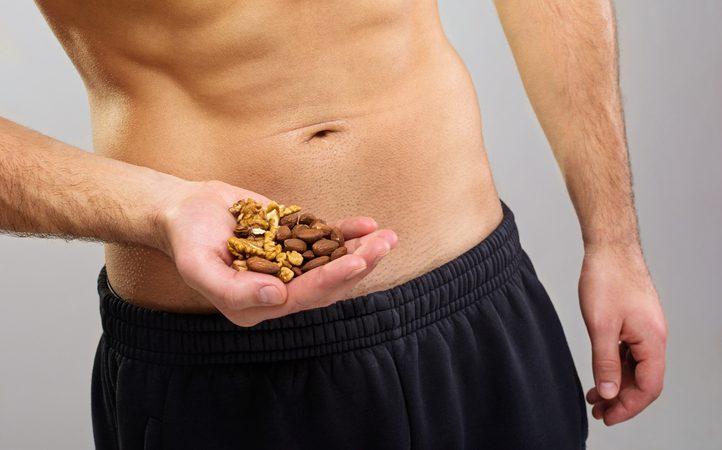 Mandorle e noci alleate della fertilità maschile