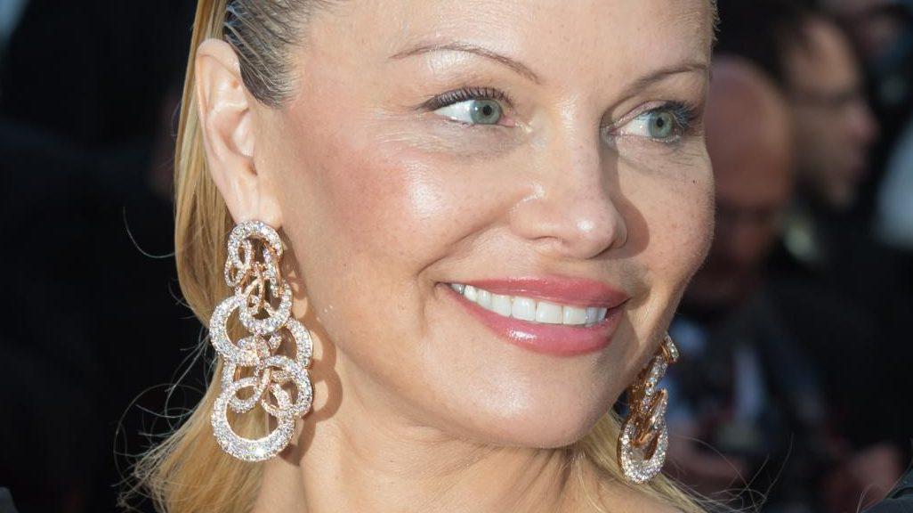 Nina Moric e Pamela Anderson: chi è più simpatica?