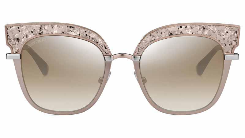 Occhiali rosa per sguardi pieni di romanticismo