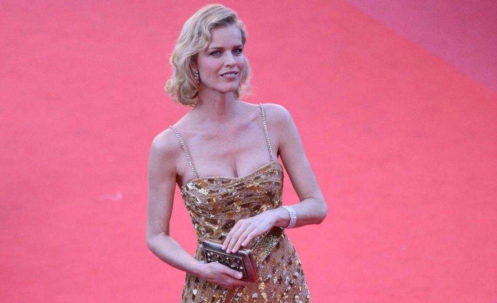 Eva Herzigova arriva a Cannes