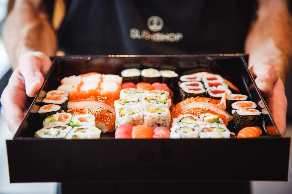 Sushi mania. Gli italiani adorano mangiarlo anche a casa