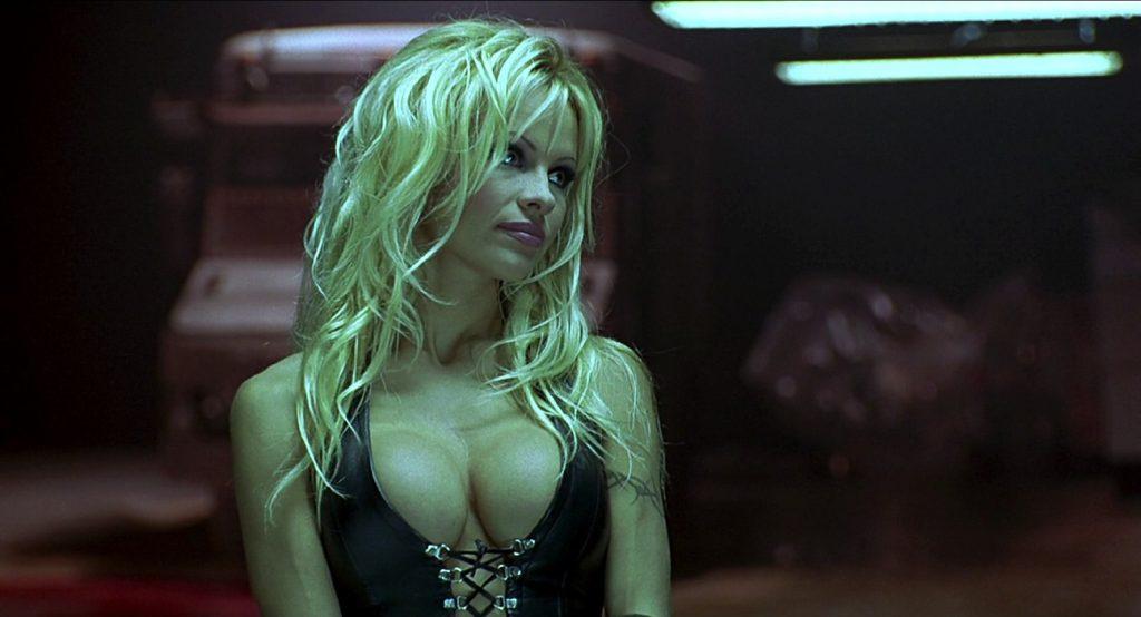 Pamela Anderson compie 50 anni: eccola nei suoi ruoli più celebri