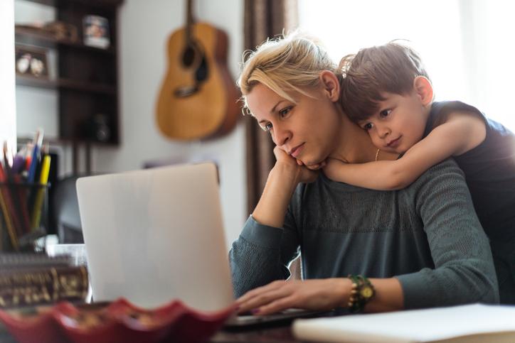 genitori tecno-dipendenti