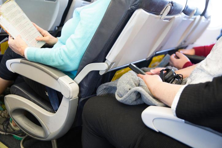 Reclinare il sedile in aereo