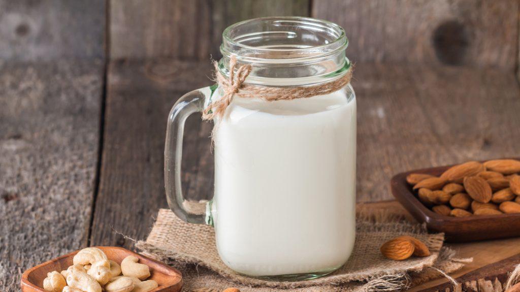 latte di mandorla, veganismo