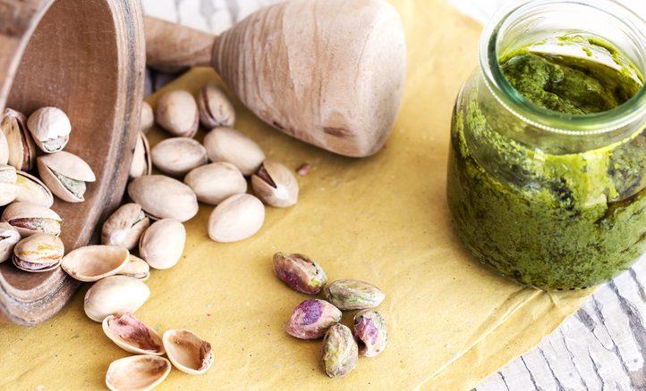 Pesto di pistacchi: la ricetta con 3 varianti