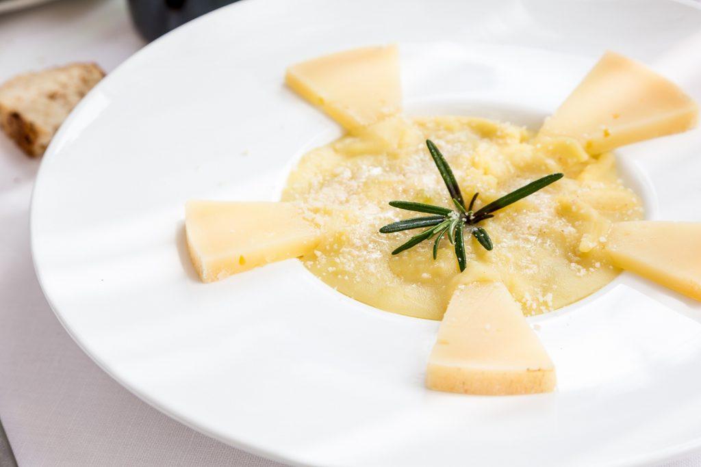 Pasta, patate e provolone