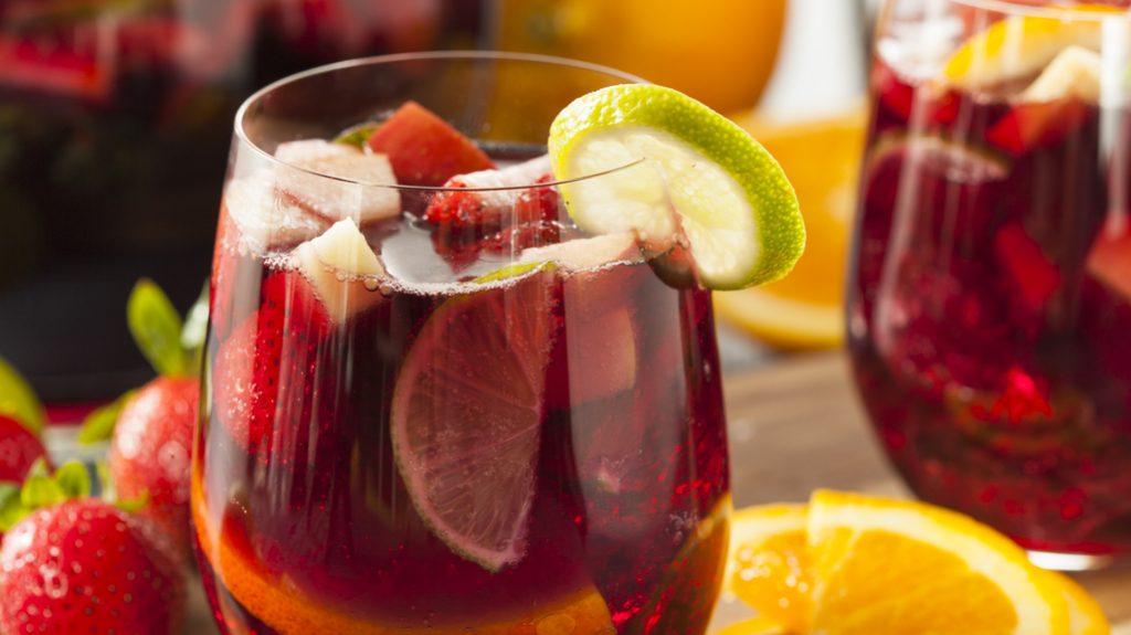 Cocktail con limone e fragole